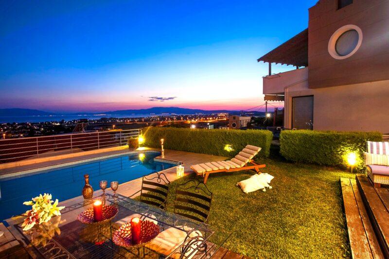 Iluminar una piscina luces exteriores